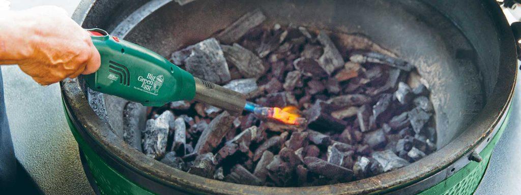 Der Big Green Eggnitter der gasbetriebene Grillanzünder