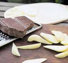 Flammkuchen mit Birne & Schokolade
