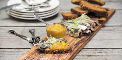 Gegrillte Sardinen mit Tomaten-Mangochutney