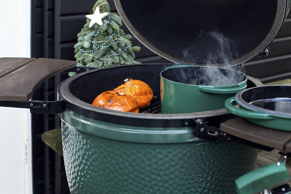 Kürbissuppe mit Dutch Oven am Big Green Egg Large