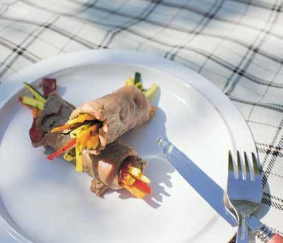 Saltimbocca mit Basilikum und Gemüse