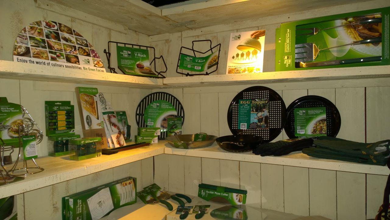 Blick in den Laden mit Big Green Egg Zubehör