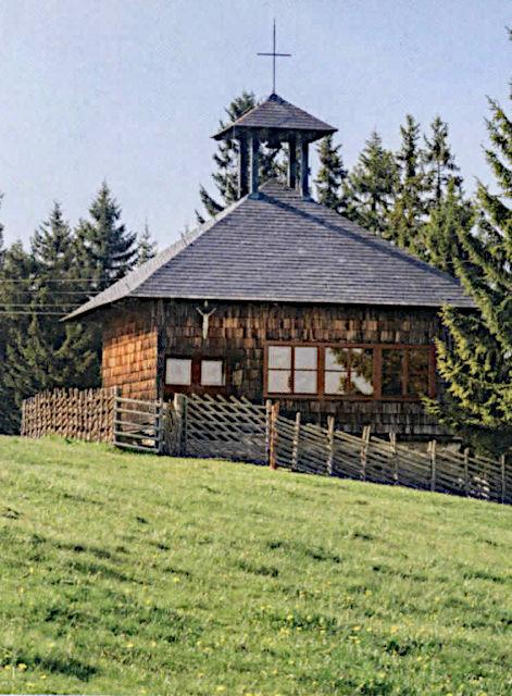 Almkirche auf der Weide