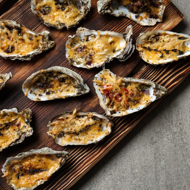 Überbackene Austern aus dem Beefer