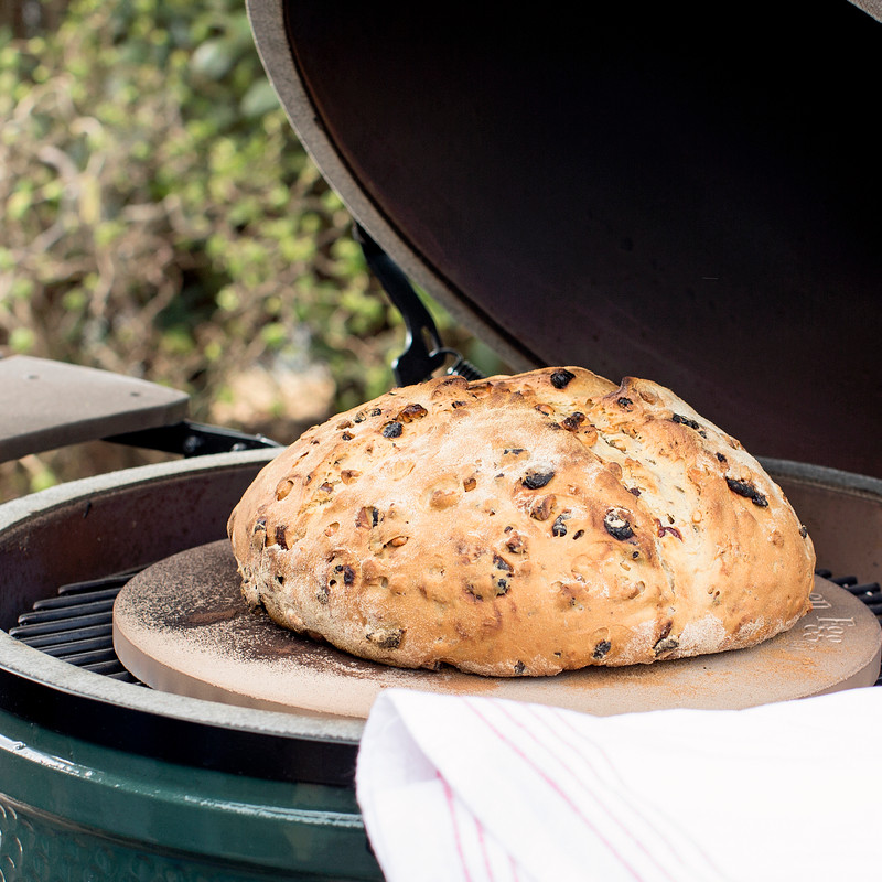 Frisches Brot aus dem Big Green Egg Large