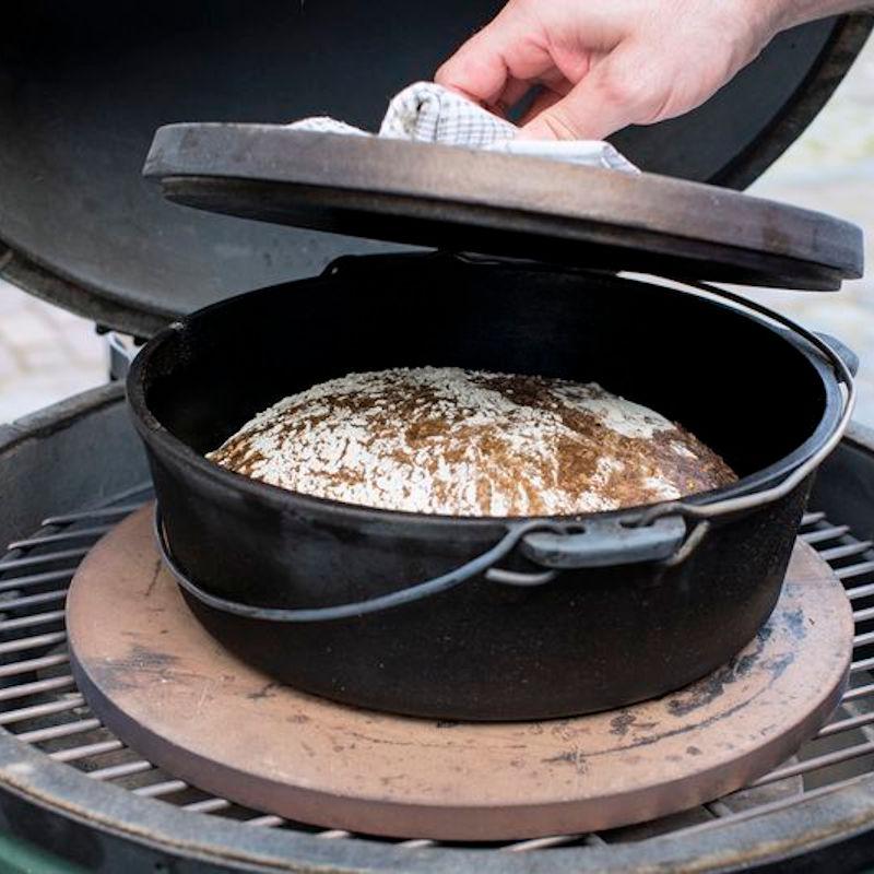 Ungeknetetes Brot im Dutch Oven